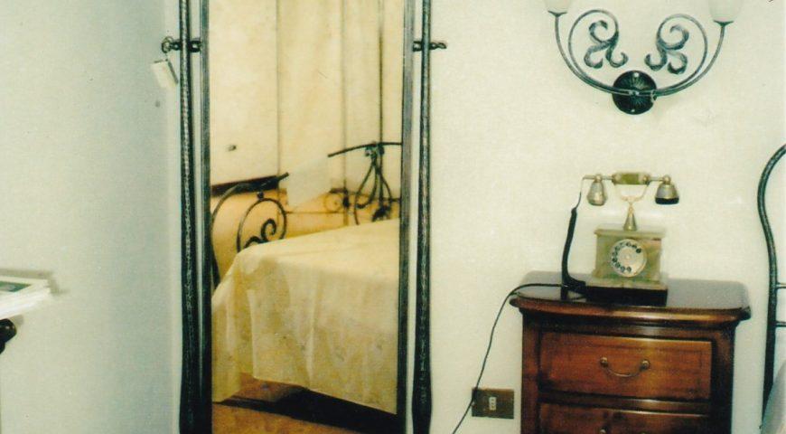 Specchio da terra in ferro battuto SP 18