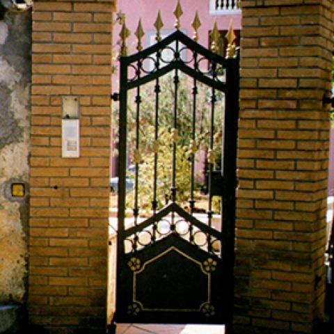 Cancello pedonale in ferro battuto CP 06