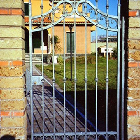Cancello pedonale in ferro battuto CP 09