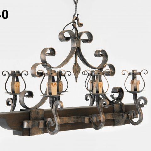 Lampadario in ferro battuto IL 040