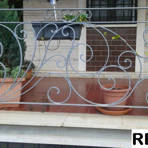 Ringhiera per balconi in ferro battuto RB 11