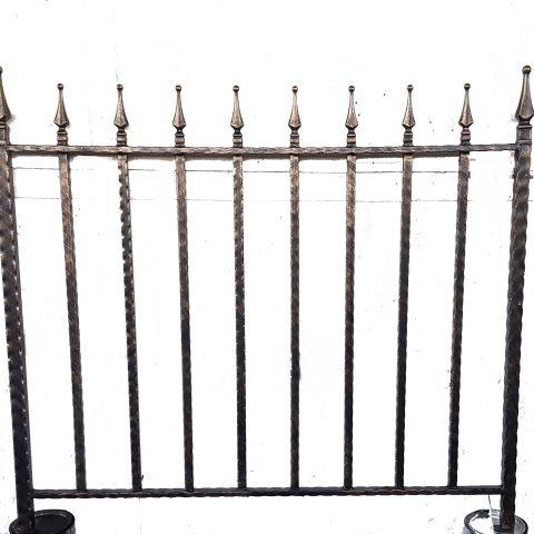 Ringhiera per recinto in ferro battuto RR 25