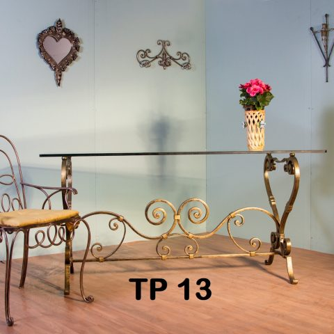 Tavolo da pranzo in ferro battuto TP 13