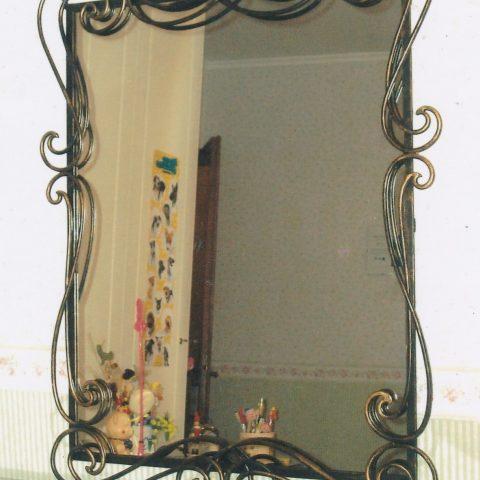 Cornice per specchio in ferro battuto SP 08