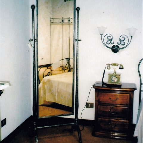 Cornice per specchio in ferro battuto SP 18